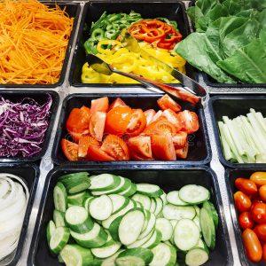 Groenten in saladbar